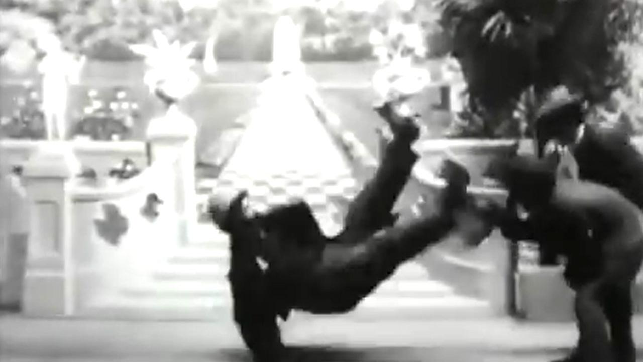 Il vagabondo è un insospettabile pattinatore! USA 1901