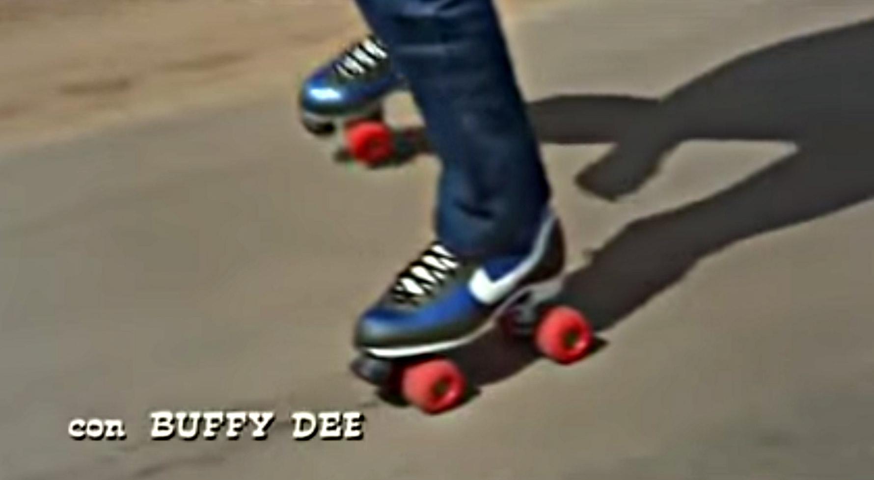 Scarpe-pattini-Nike-Terence-Hill-nati-con-la-camicia