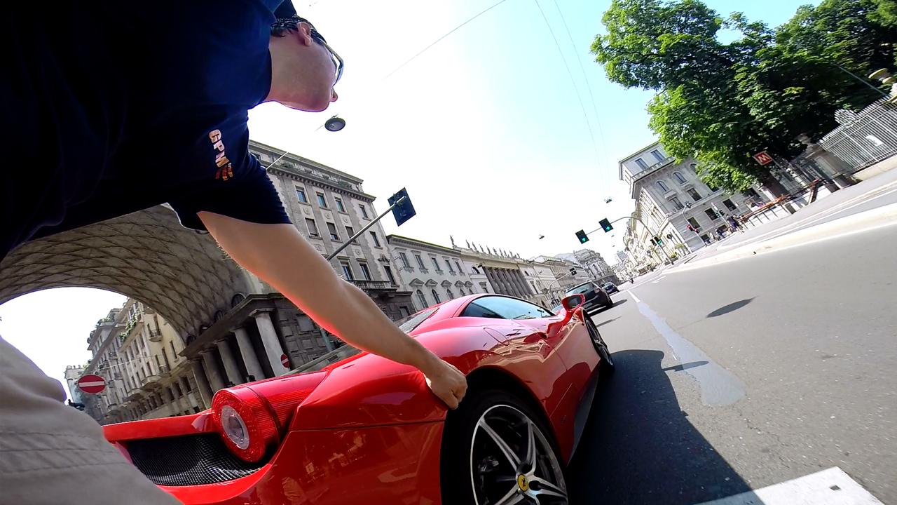 rollerquad vs ferrari 458 italia - Corso Venezia Milano