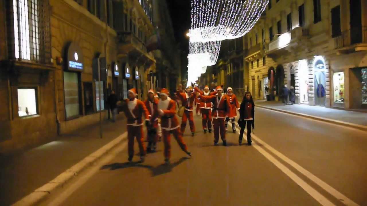 Santa Skate 2012 – Pattinata di Natale a Roma